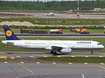 Lufthansa Airbus A321-231 D-AIDU at HEL 05JUN2015 03.JPG