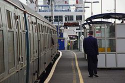 Lymington Pier railway station MMB 08 421497.jpg
