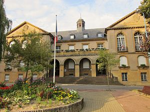 Ridge turret - Image: Mairie Ars Moselle