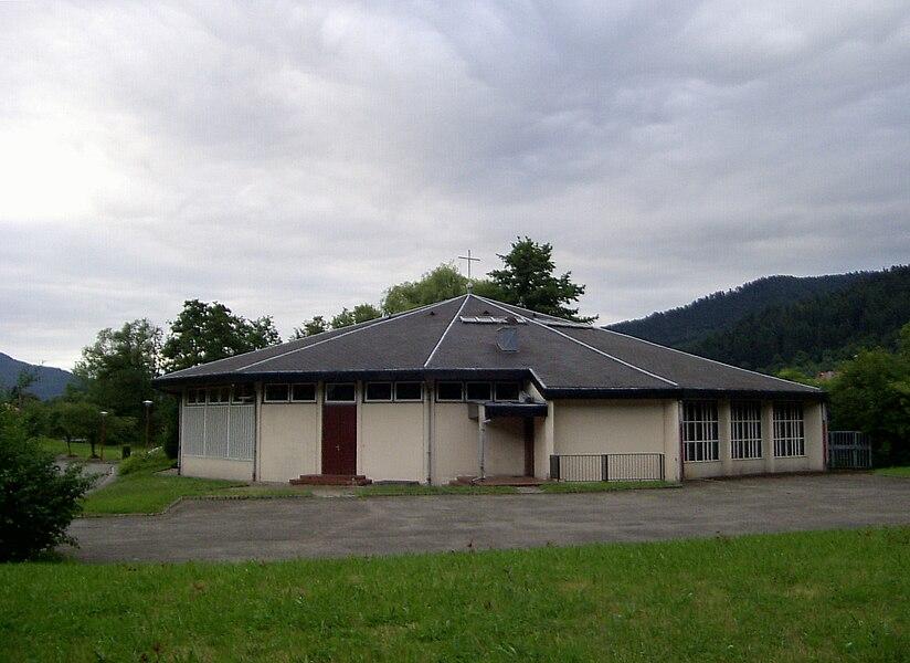 L'église Saint-Joseph-Artisan à Malmerspach (1969, de forme dodécagonale)