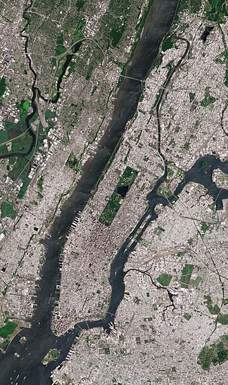 Satellite image of Manhattan Island, bounded by the Hudson River to the west, the Harlem River to the north, the East River to the east, and New York Harbor to the south, with rectangular Central Park prominently visible. Roosevelt Island, in the East River, belongs to Manhattan. Manhattan by Sentinel-2.jpg