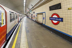 Manor House tube station - Image: Manor House Tube Station, Eastbound Nortbound Platform