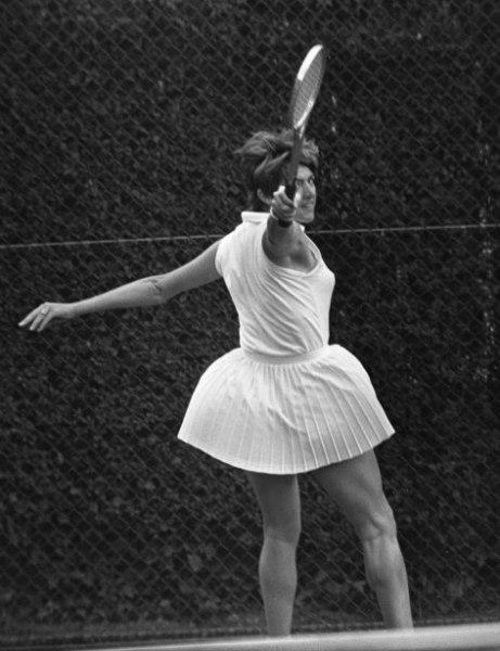 Margaret Court backhand 1970