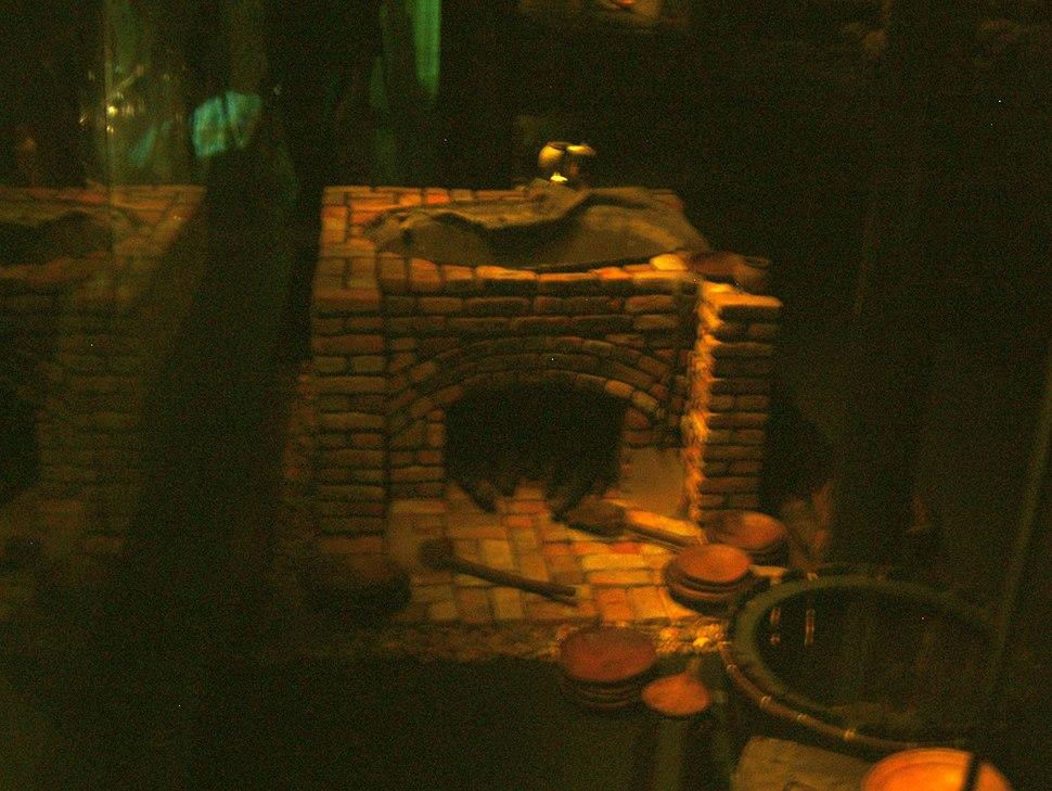 Mary Rose - Oven & Cauldron