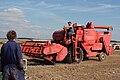 Massey Ferguson 415 combine harvester (112).jpg