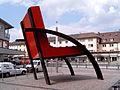 Maxistuhl Parigi von Aldo Rossi in Weil am Rhein.jpg