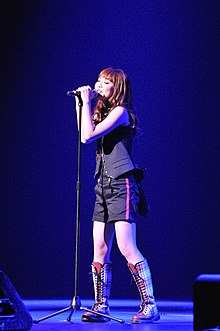 Description de l'image  May'n_performing_at_Nokia_Theater_LA_Live.jpg.