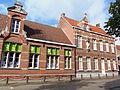 Meisjesschool met bijbehorend klooster.JPG