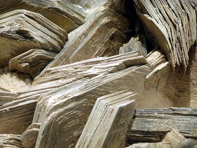Ejemplo de exfoliación - mineral de mica