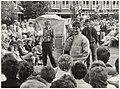 Modeshow tijdens de braderie op Plein 1945. NL-HlmNHA 54015656.JPG