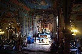 Mogiła Kościół św Bartłomieja wnetrze.jpg