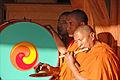 Moines tibétains (Parc oriental de Maulévrier) (7290523782).jpg