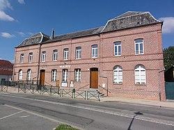 Mondrepuis (Aisne) mairie.JPG