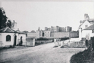 Monmouth County Gaol - A 19th-century print of Monmouth County Gaol – the tollhouse on the Hereford Road still stands today as does North Parade House which is on the right.