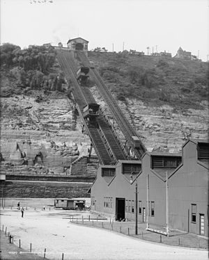 Monongahela Incline - Monongahela Incline (right) and the demolished Monongahela Freight Incline (left) in 1905.