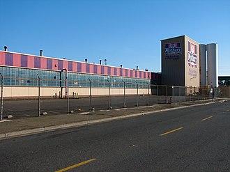 Mother's Cookies - Mother's Cookies factory in Oakland, California in 2006