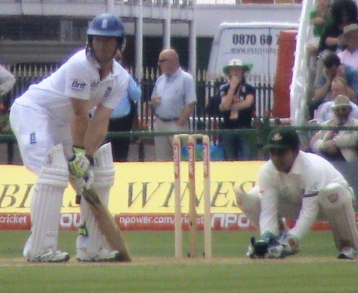 File:Mushfiqur Rahim keeping wicket, 2010.jpg