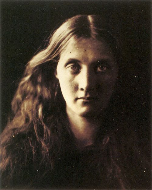 My niece Julia full face, by Julia Margaret Cameron.jpg