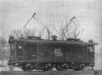 Electrification of the New York, New Haven, and Hartford Railroad - A New Haven EP-1 electric locomotive, circa 1907. Note the small DC pantograph between the two larger AC pantographs.