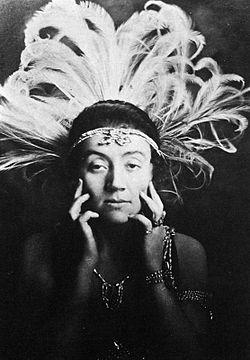 Naima Wifstrand i Czardafyrstinden på Oscarsteatern 1916.