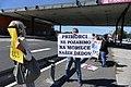 Napisi na protestu proti predsedniku Borutu Pahorju na Fernetičih 07.jpg