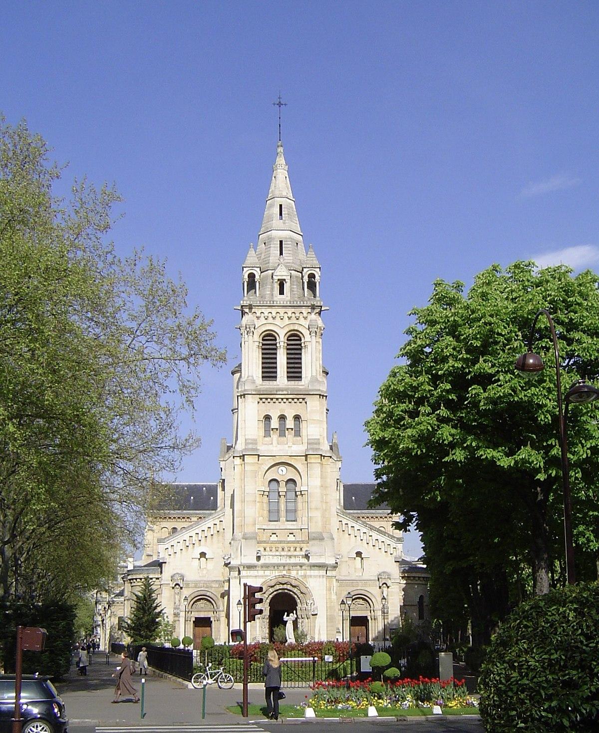 Glise saint pierre de neuilly sur seine wikip dia for Piscine neuilly sur seine horaires