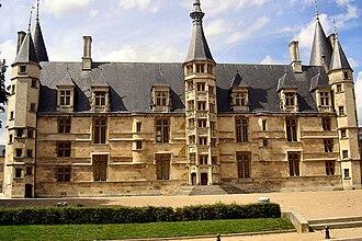 Bourgogne-Franche-Comté - Image: Nevers Palais ducal