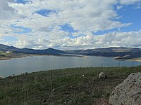 North across Jordanelle Reservoir from Jordanelle State Park Overlook, Apr 16.jpg