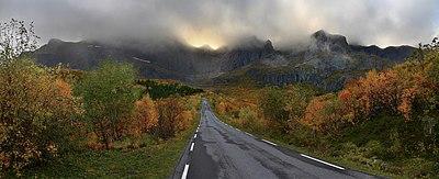 Nusfjord road, 2010 09.jpg