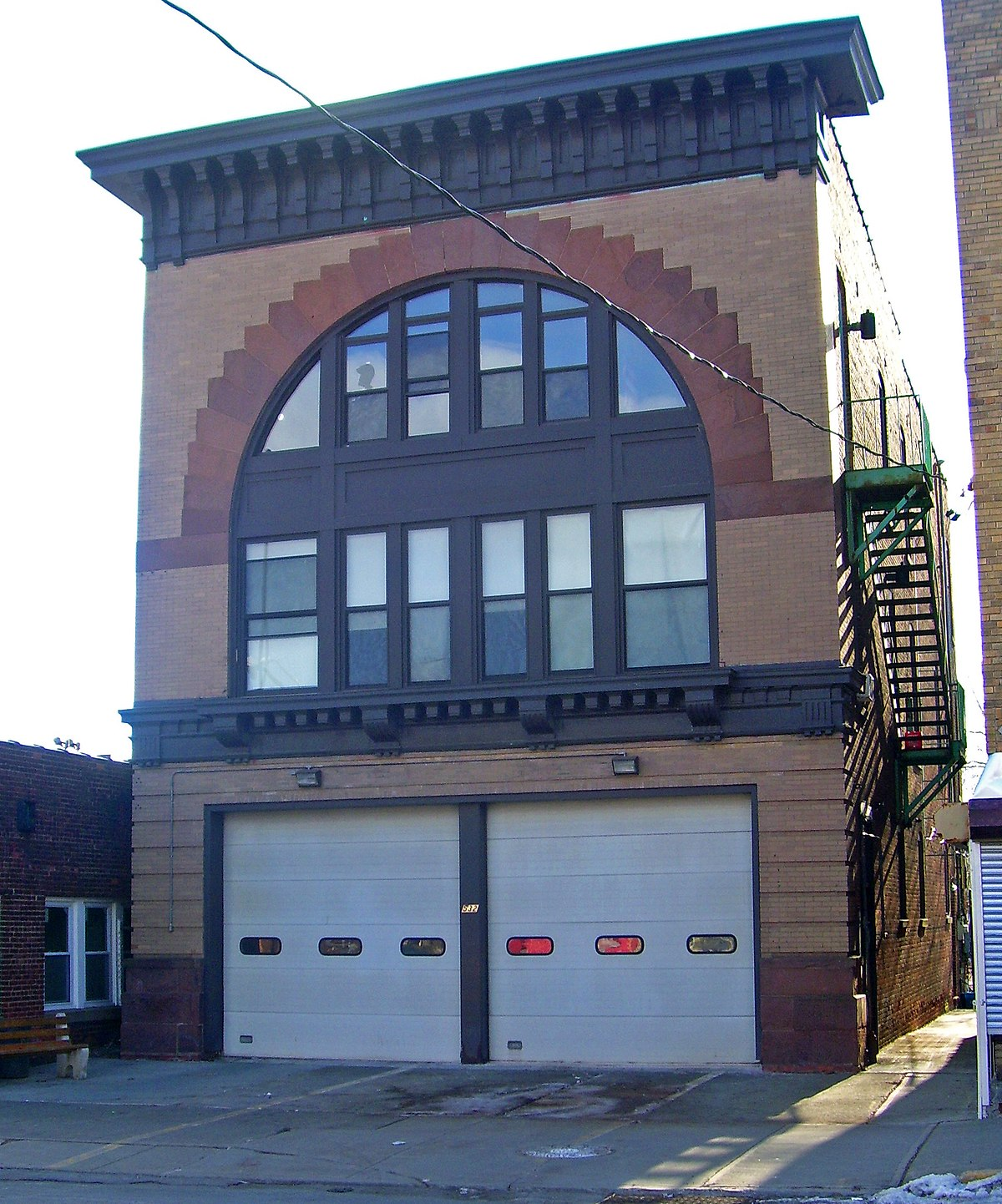 K Pok House Sute Architect: O. H. Booth Hose Company