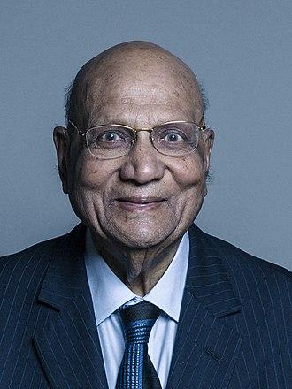 Swraj Paul, Baron Paul - Image: Official portrait of Lord Paul crop 2