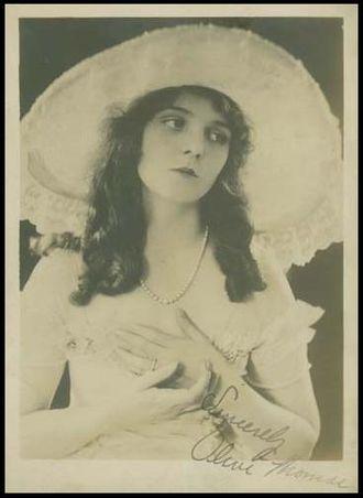 Olive Thomas - Autographed photo of Olive Thomas, circa 1916