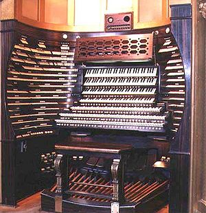 Boardwalk Hall Auditorium Organ - Image: Orgue Atlantic City Convention All