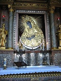http://upload.wikimedia.org/wikipedia/commons/thumb/3/31/Ostrobramskaphoto.jpg/240px-Ostrobramskaphoto.jpg