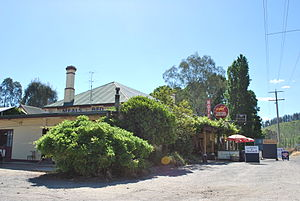 Ovens, Victoria - The Happy Valley Hotel