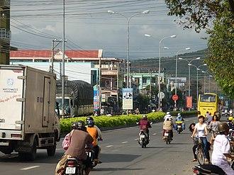 Cam Ranh - Image: P1060933 Cam Ranh, strada