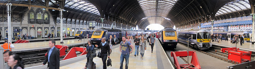 The platforms inside the trainshed at London Paddington station. Three of the platforms are occupied by First Great Western High Speed Trains, while another two have Heathrow Express units