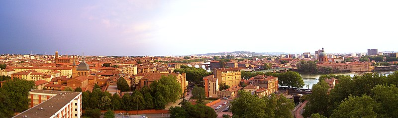 Plik:Panorama Toulouse right hand.jpg
