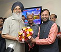 Parkash Singh Badal meeting the Minister of State for Information and Broadcasting (Independent Charge), Environment, Forest and Climate Change (Independent Charge) and Parliamentary Affairs, Shri Prakash Javadekar.jpg