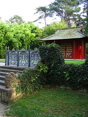 Overseas Vietnamese - The Temple du Souvenir Indochinois in the Bois de Vincennes, erected in 1907, is a monument built by the earliest waves of Vietnamese migrants to France.