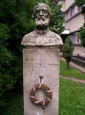 Mór Perczel - Bust in Bonyhád