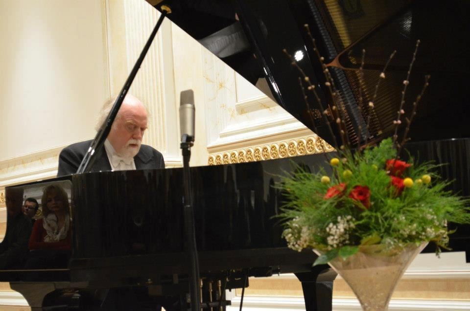 Peter Donohoe plays in 'Diar Hall' 2013