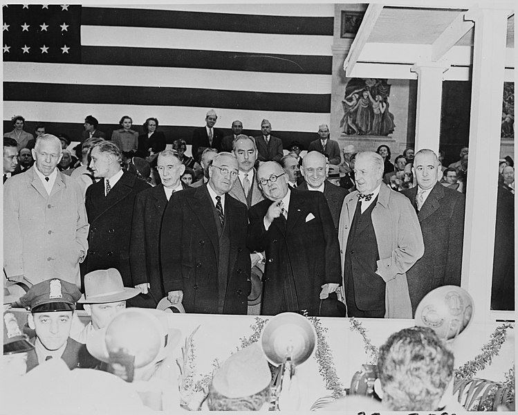 File:Photograph of President Truman with French President Vincent Auriol at the District Building in Washington during... - NARA - 200289.jpg