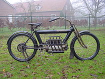 Pierce Arrow 680 cc uit 1911.