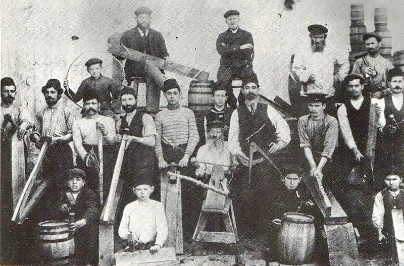 מפעל לבניית חביות יין