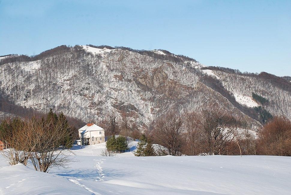 Planina Jablanik - Debelo brdo - Vrh i severni obronci planine Jablanik sa planinarskim domom