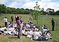 Pliant'tie du Tchêne du Chent'naithe La Preunmié Tou Saint Hélyi Jèrri 16 dé Mai 2011 06.jpg