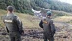 Policía apoya rescate de cuerpos del accidente aéreo en Antioquia (30511242793).jpg