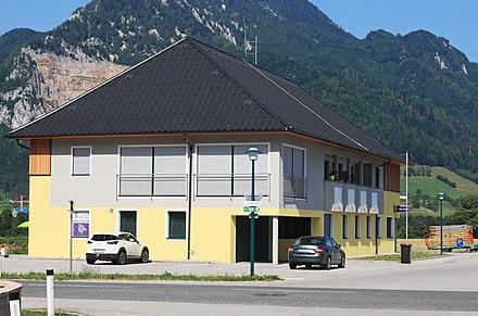 Datei:Grnburg Schmiedleiten rematesbancarios.com Wikipedia