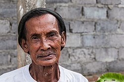 Portrait of a Balinese man; August 2010.jpg